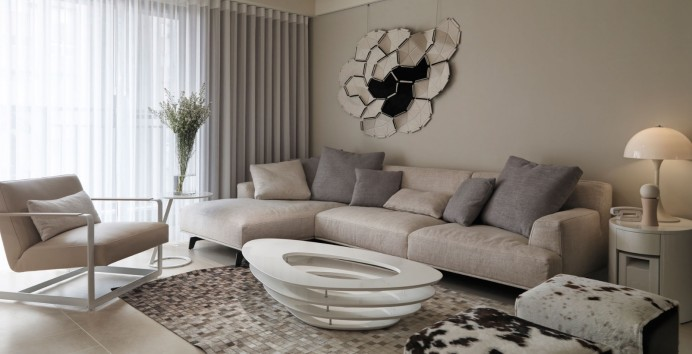 Neutral-contemporary-living-room