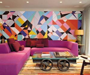 thumbnail-perky-living-room-with-geometric-wallpaper